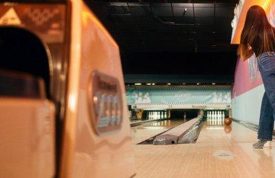 Bowling & Fika
