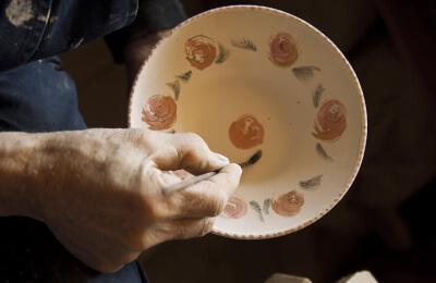 Måla keramik