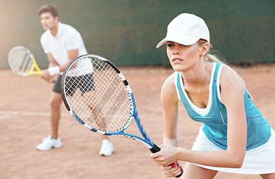 Spela tennis, badminton och squash