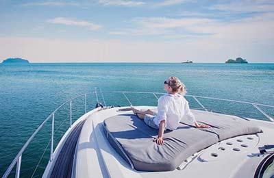 Provkör en yacht