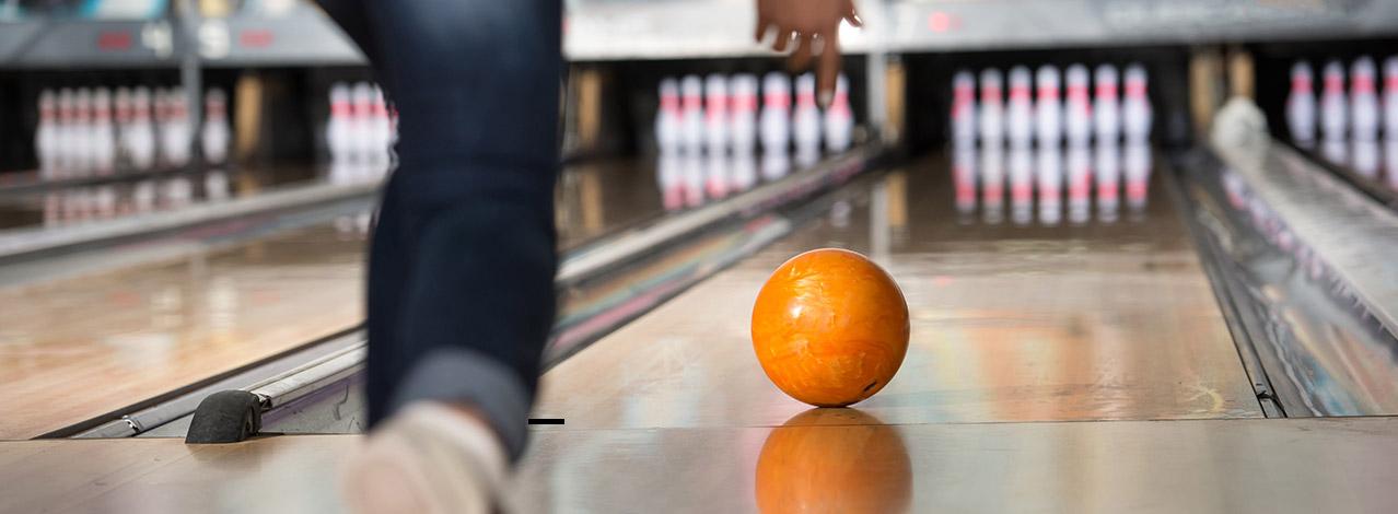 Produktbild för Spela bowling (1/1)