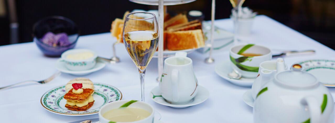Produktbild för Afternoon Tea för Två med Champagne (1/1)