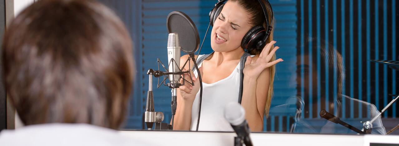 Tjej som sjunger
