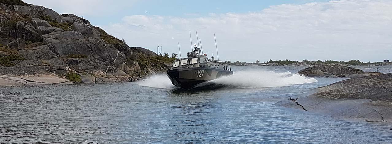 Produktbild för Åka stridsbåt till en topphemlig militäranläggning (1/4)
